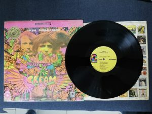 Cream Disraely Gears